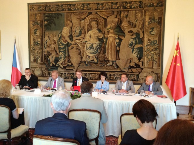 Introducing LLM 2014 and CIF 2014 to diplomats of CEE countries