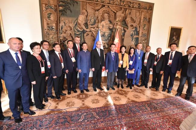 Premiér ČR přijal delegaci významných čínských podnikatelů
