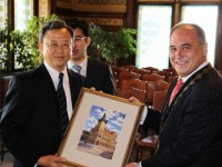 Čínský velvyslanec vyzdvihl příklad úspěšné spolupráce