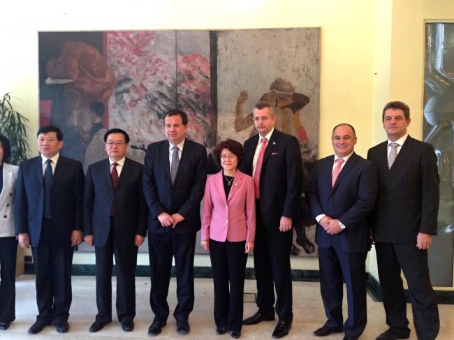 Návštěva z provincie Hubei přinesla Vysočině první dohody o spolupráci s Čínou