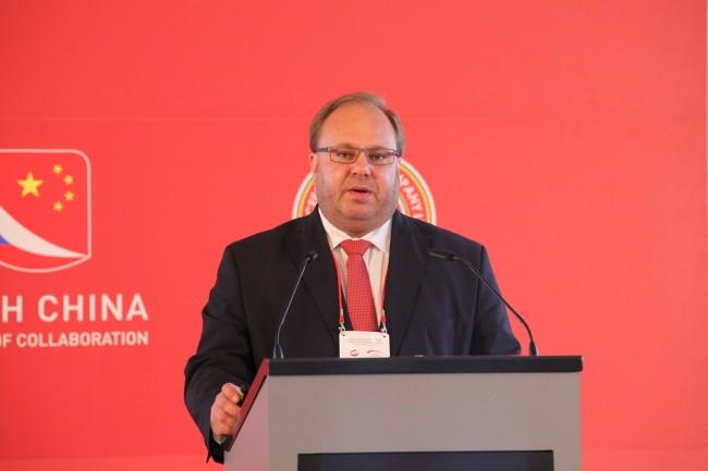 Hejtman Miroslav Novák: Podceňovat čínský trh je obrovská chyba
