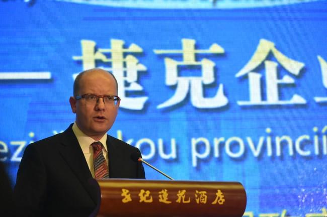 Česká média o návštěvě premiéra Bohuslava Sobotky v Číně