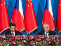 中国国家主席习近平访问捷克共和国,两国建立战略合作伙伴关系