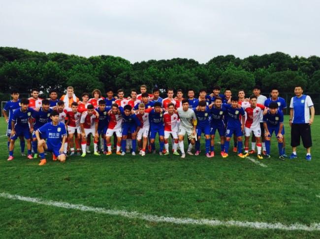 捷克青少年足球、冰球运动员从中国凯旋而归