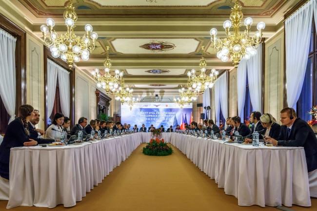 中捷航空圆桌会议
