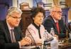 Ministr zdravotnictví, velvyslankyně ČLR a předseda zdravotního výboru na zahájení Kulatého stolu